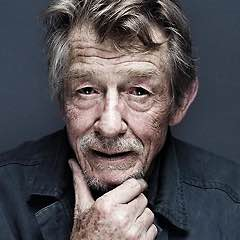 So long John Hurt !
